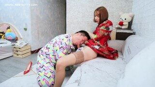 AB017 Beauty tranny abbykitty dominate guy and cum 女王崇拜-舔脚-坐脸-鞭打-吃精液唾液